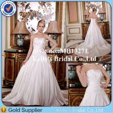 Neuestes russisches Art-Rüsche-Satin-trägerloses schnüren sich oben Hochzeits-Kleid