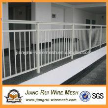 Металлическая ограда с порошковым покрытием