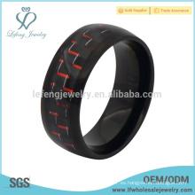 Boda plateado negro y rojo de fibra de carbono embutido anillo de titanio para los hombres