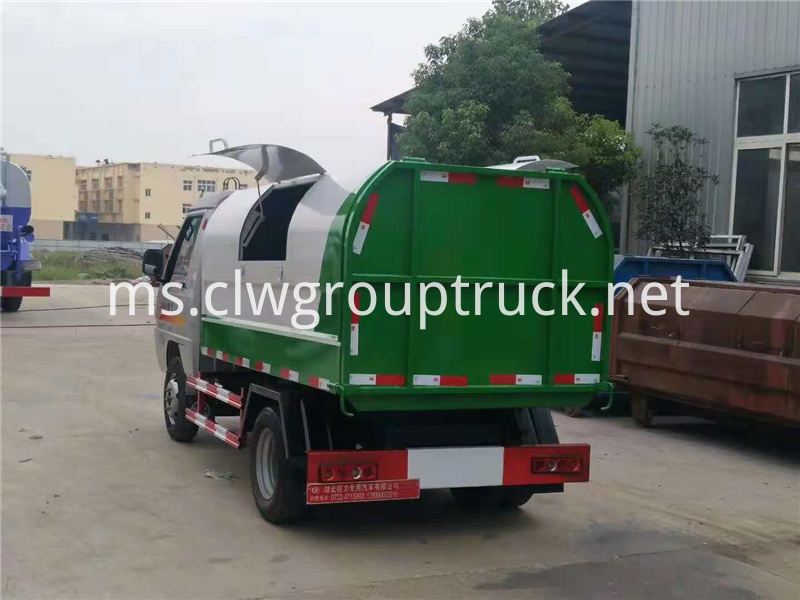 Sealed Garbage Truck 6