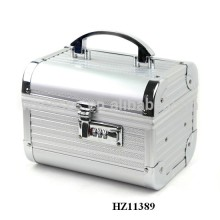 fashionale aluminum vanity case with a mirror inside from China manufacturer
