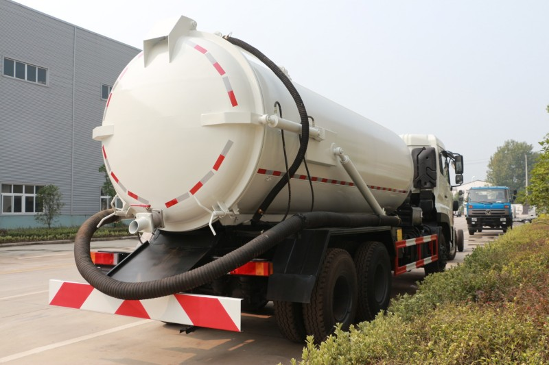 Dong 6*4 Diesel 18 CBM Sewage Suction Truck