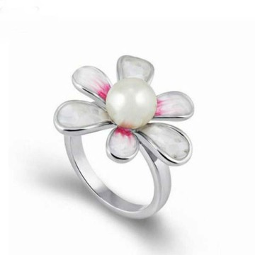 Crystal Flower Pearl Ring