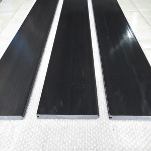 UHMWPE connection plate