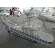 barco inflável de casco rígido