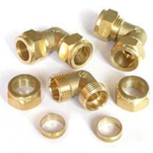 Raccords de tuyaux en laiton personnalisés avec placage au zinc