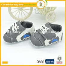2015 proveedores calientes del e-crédito de la alta calidad de la venta para el bebé gris embroman los zapatos de los deportes