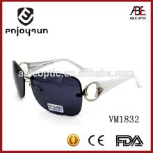 Женская мода квадратная форма металлические солнцезащитные очки с красивым храмом