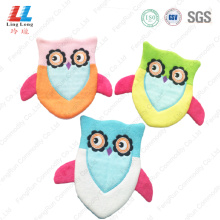 Inovative Owl style bath gloves