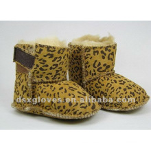 Zapatos del invierno del bebé del leopardo