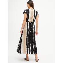 Robe longue mode à rayures noires et blanches