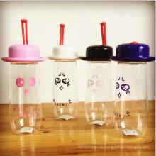 Nette Plastikbaby-Wasser-Flasche