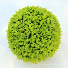 Bola de hierba artificial al por mayor del topiary que cuelga realista al por mayor para la venta