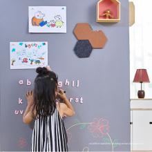 Crianças autoadesivas que escrevem o quadro e o quadro