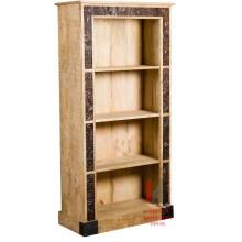 Caixa de madeira em madeira esculpida