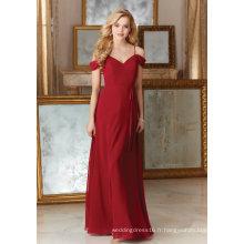 Robe de soirée en mousseline de soie rouge avec une ligne de demoiselle d'honneur