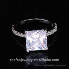 fuentes de joyería al por mayor anillo de circón cúbico cuadrado de China con rodio plateado