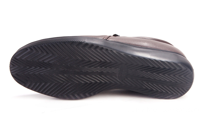 anti-skidding out-sole casual shoes