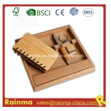 Conjunto de papelaria de bambu com caderno e chaveiro