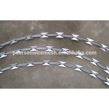 Bajo precio y alta calidad electro / hot dipbed galvanized concertina razor wire