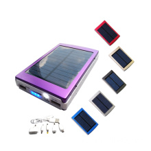 caricabatterie solare solar power bank con torce