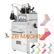 belle machine informatisée pour des chaussettes, machine à tricoter informatisée de chaussettes