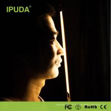 2017 ensembles de cadeau promotion IPUDA lampe de table avec le concepteur de port usb a mené la lumière