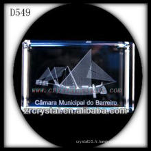 Image souterraine de laser de K9 3D à l'intérieur du rectangle en cristal