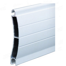 Profilé à lattes de porte pour volets roulants en aluminium 6063