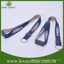 Großhandel kundengebundene Art und Weise Polyester gewebte Ansatz Bügel Keychain Schlüsselband