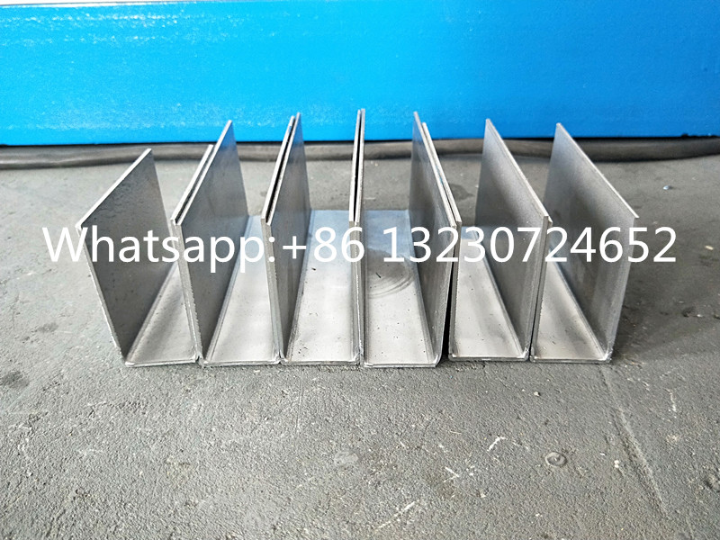 Steel U profile guide rail machine