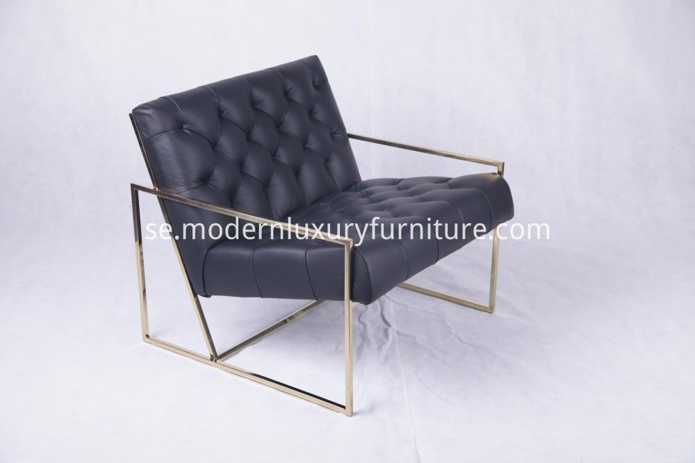 Thin Frame Luonge Chair 5