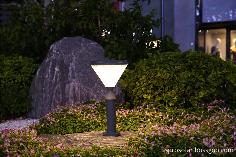 Environmental protection outdoor solar LED lawn light