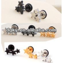 Poteaux de perçage d'oreille en acier chirurgical avec de petites étoiles