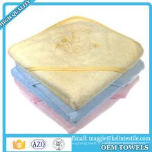 100% bambou broderie épaisse logo bébé à capuchon serviette / serviette à capuchon avec étiquette privée