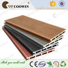 Línea de producción de buena calidad hueco wpc cubierta tabla de pisos