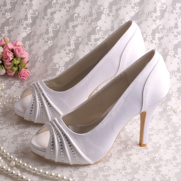 Ivory Satin Ladies Shoes for Special Occasions