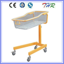 Colored Steel Tube Baby Bassinet Bed (THR-RB03)