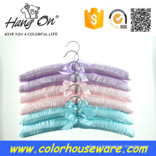 красочные атласная вешалка для одежды
