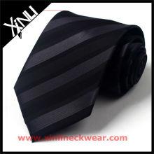 Nouvelle cravate noire en soie