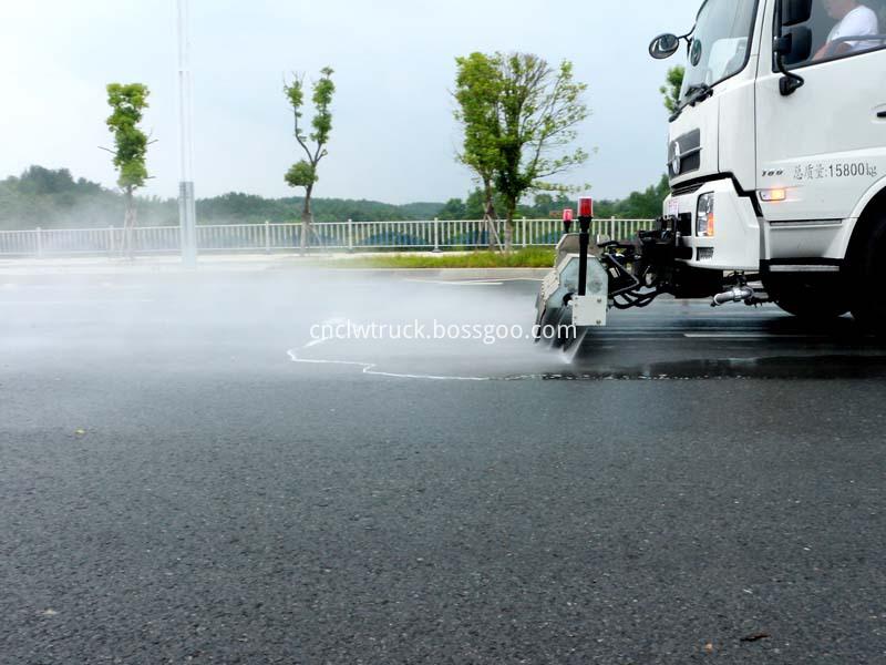 high pressure water jetting truck working 1