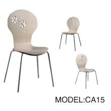 Chaise de restaurant et chaise de contreplaqué (CA15)