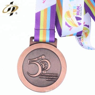 Aleación de zinc 2018 hacer oro y astilla * medalla de ejecución de metal de bronce