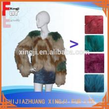 abrigo de pieles de mapache de diseño de moda teñido real