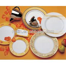 Feines weißes Porzellan Essen sicheres Hotel Abendessen gesetzt