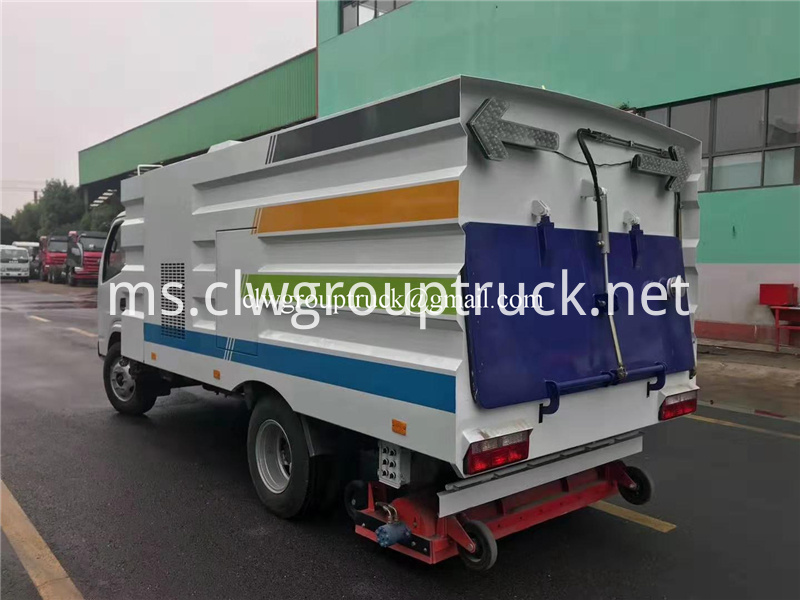 Road Sweeper Truck 5