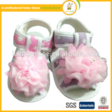 Vente en gros new arrival doux chaussant walker baby frist step girl sandals