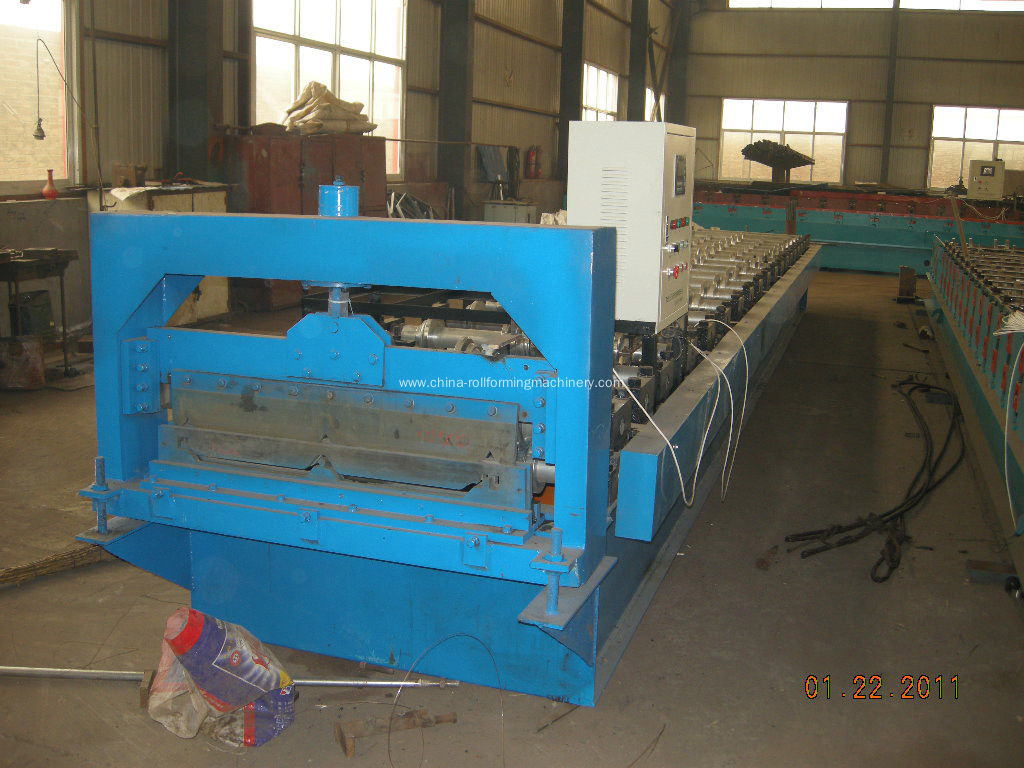 760 Arch roof roll forming machine