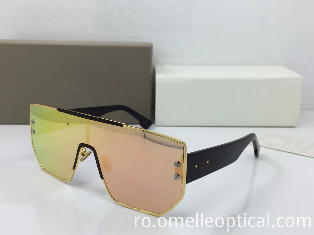 Goggle Shaped Sunglass