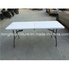 Mesa plástica dobrável de 6FT para uso ao ar livre